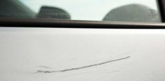 réparer rayure profonde peinture voiture